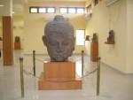 Stone_Made_Buddha_Head_-_Ratnagiri_Museum