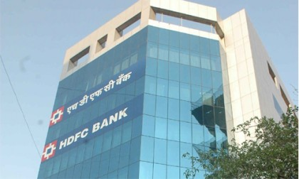 HDFC Bank slashes base rate to 9.35 %