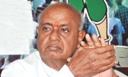 Karnataka politics in a state of flux  Is H.D.Deve Gowda cosying up to NDA?